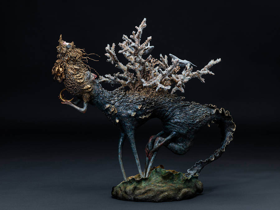 Akishi Ueda-creature-with-coral-on-its-back